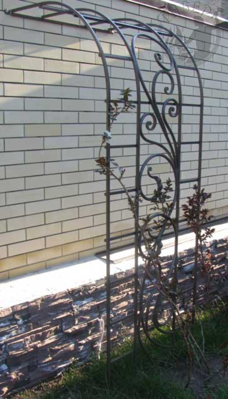 Опоры для плетистых роз своими руками из дерева